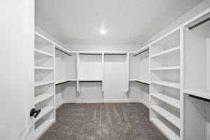 closet-4-telluride